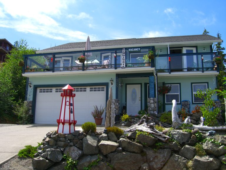 Tofino Lighthouse Inn
