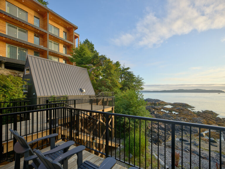 Duffin Cove Oceanfront Lodging