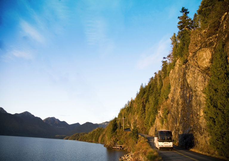 Tofino Bus: The Island Bus Company